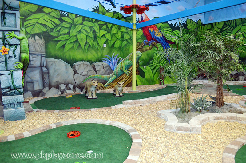 Celebrate birthday parties by playing mini golf